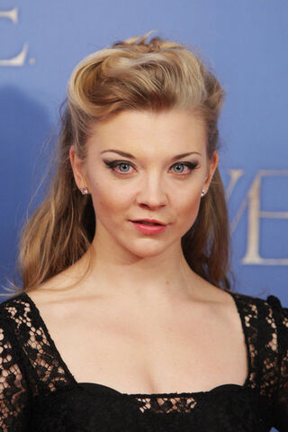 File:Natalie+Dormer+Dresses+Skirts+Little+Black+V068ySMtUzLl.jpg