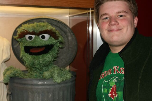File:Me with Oscar the Grouch 1.jpg
