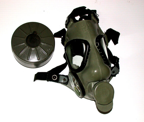 File:Right-Handed M9A1 Gas Mask With Discolored Rubber.jpg