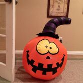 Gemmy inflatable goofy pumpkin with witch hat