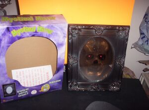 VINTAGE 2003 GEMMY SKULL MYSTICAL MIRROR MOTION ACTIVATED SPOOKY PHRASES RARE