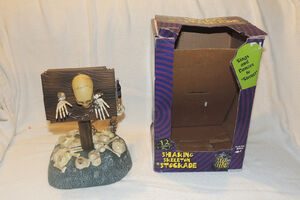 GEMMY 1998 HALLOWEEN DANCING SKELETON STOCKADE Twerking Animated Musical
