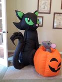 Gemmy inflatable mouse and cat w pumpkin