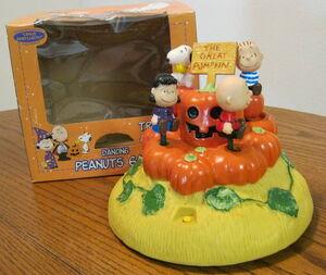 Gemmy animated dancing peanuts gang