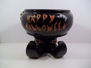 GEMMY ANIMATED HALLOWEEN CANDY CAULDRON with FEET!
