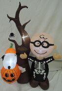 Gemmy inflatable peanuts halloween scene