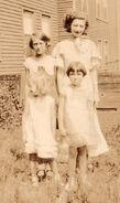 Selma Louise Freudenberg (1921- ) and Naida Muriel Freudenberg (1915-1998) and Helen Eloise Freudenberg (1928-1989) and Geraldine Marie Winblad (1928- ) in 1933