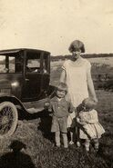 Richard, Mabel, and Doris Hunt