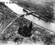 Frankfurt Am Main-Altstadt-Zerstoerung-Luftbild 1944