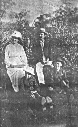 Maud Lilley Burgess with her 2nd husband (Arthur Bryer) in Australia, and her two sons (Harold Thomas Arthur Stickler & Donald Arthur Stickler) by her 1st marriage