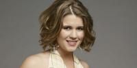 Georgie Jones (Lindze Letherman)