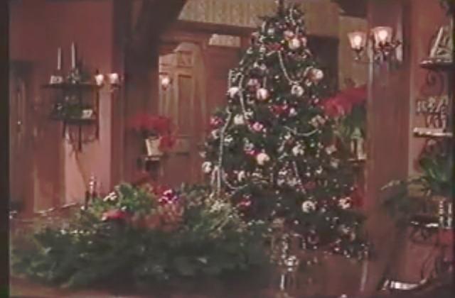 File:ChristmasBrownstone.png