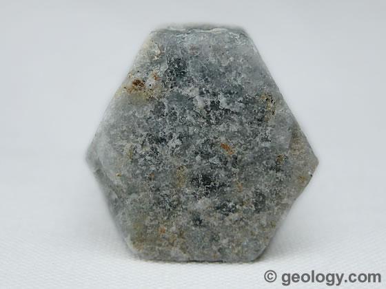 File:Beryl-caesium-bearing-117-b.jpg