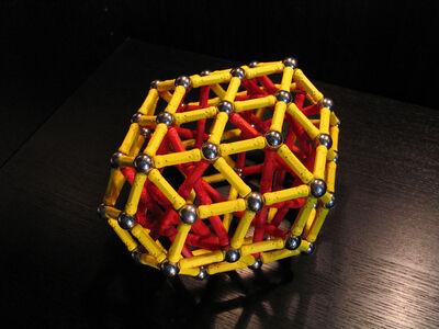 Bi elongated rhombic triacontahedron