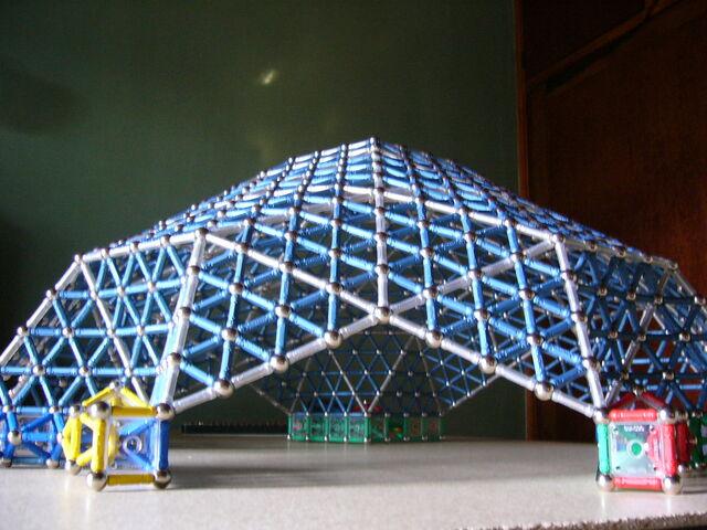 File:Domo geodesico Lat..JPG