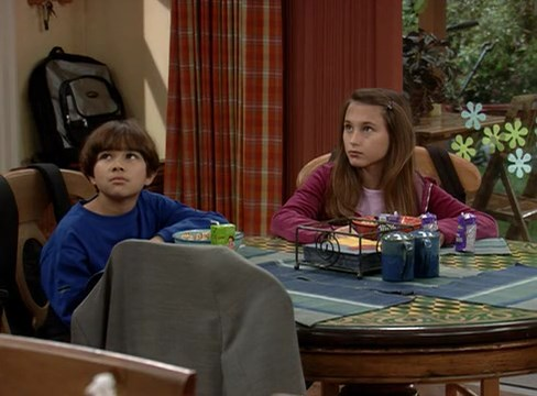 File:Ep 2x18 - Max and Allison not amused at George's joke.jpg