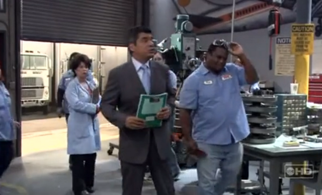 File:Ep 6x14 - George Annonces New Health Plan.png