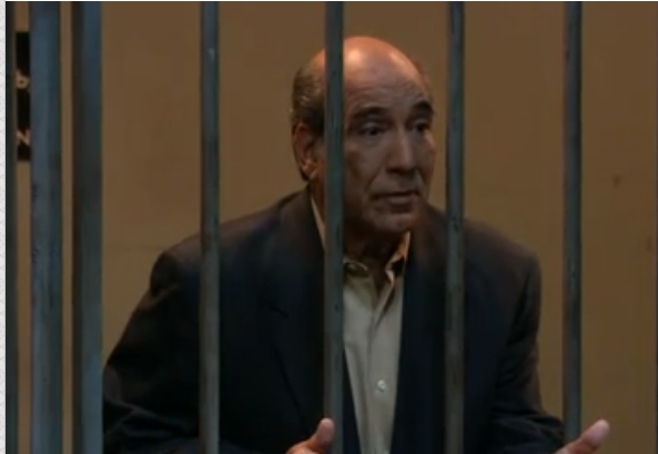 File:3x2 - Manny bails George out of jail.png