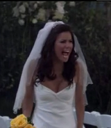 Ep 5x20 - Brooke cries as it rains on her wedding