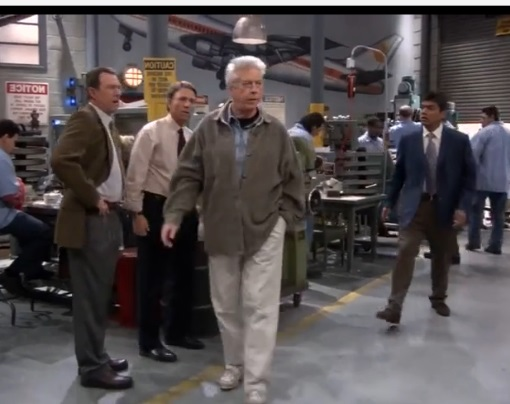 File:Ep 4x13 - George brings Lou to talk with Mel and Jack.jpg