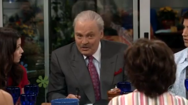 File:Ep 4x23 - Stacy Keach as Jason's dad Blaine.png