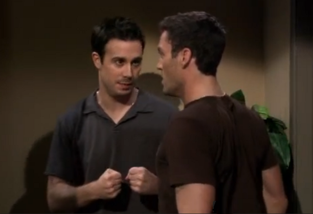 File:Ep 5x19 -Freddie and Chris try to set trap.png