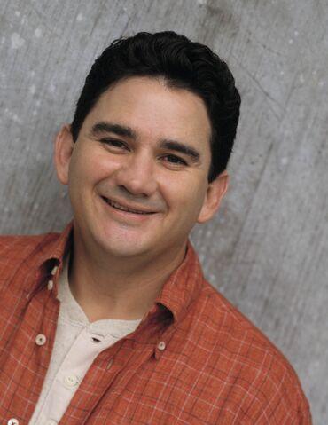 File:George-lopez-2002-tv-23-g.jpg