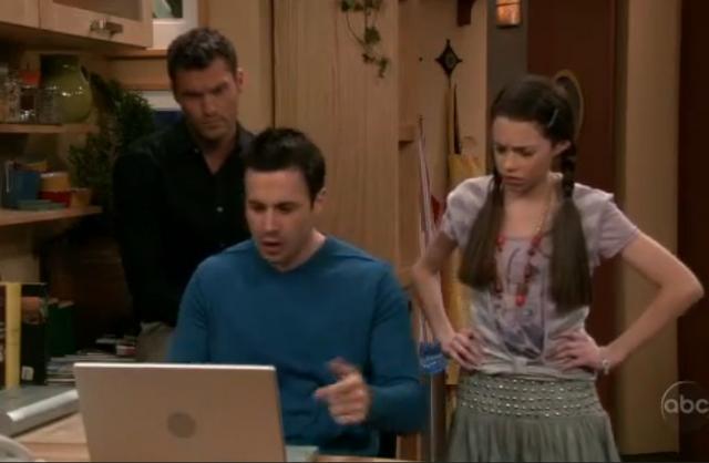 File:Ep 5x19 - Freddie invades Chloe's web chat.png