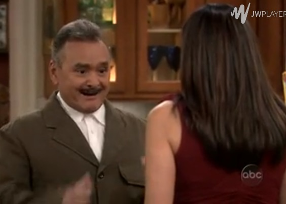 File:Ep 3x9 - Angie sees Uncle Octavio after many years.jpg