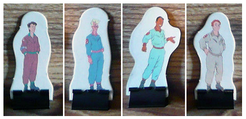 File:MBTheRealGhostbustersBoardGamePlayerPieceswithStands.png