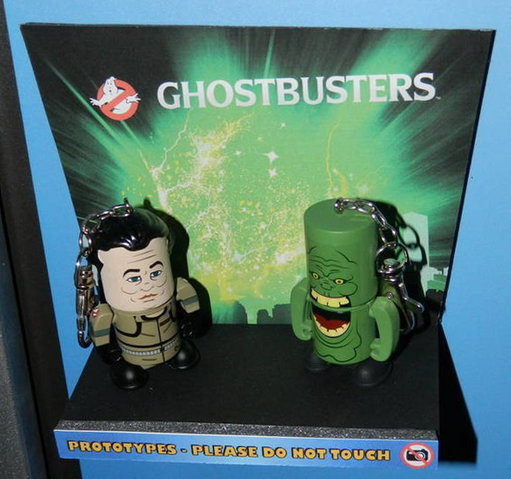 File:FiguredotcomcoveringFactoryEntertainmentatNYToyFair2014sc08.png