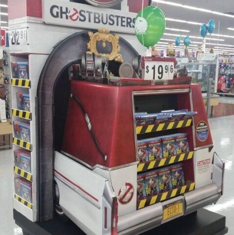 File:Ghostbusters2016BluRayWalmartDisplay01.jpg