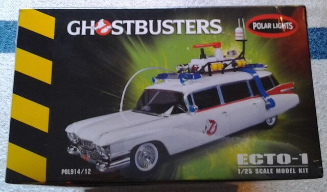 File:Polar Lights Ecto-1 Snap Model 2013 Re-Release Box Right.jpg