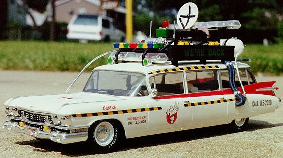 File:AMT Ecto1A 1989 Model Assembled01.jpg