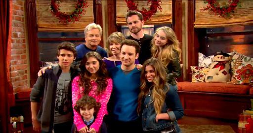 File:Holiday cast.jpg