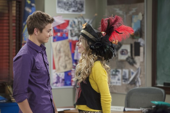 File:Lucas & Crazy Hat Maya.jpg