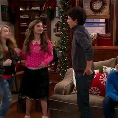 maya girl meets world height Maya penelope hart (hunter in the series finale) is the deuteragonist of girl meets world maya is the fifteen-year-old daughter of kermit and katy she is riley matthews' best friend.