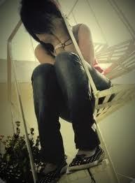 File:Lonely girl.jpg