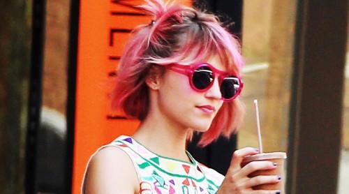 File:Dianna-agron-pink-hair-cosmopolitan-lindsay-lohan.jpg