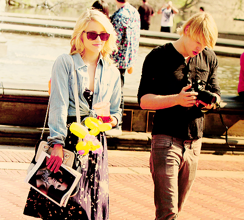 File:Dianna-Chord-in-NYC-sam-and-quinn-21621030-500-450.png