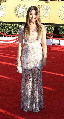File:Jenna-Ushkowitz-@-SAG-Awards-Red-Carpet-2012-PHOTOS-2-1-.jpg