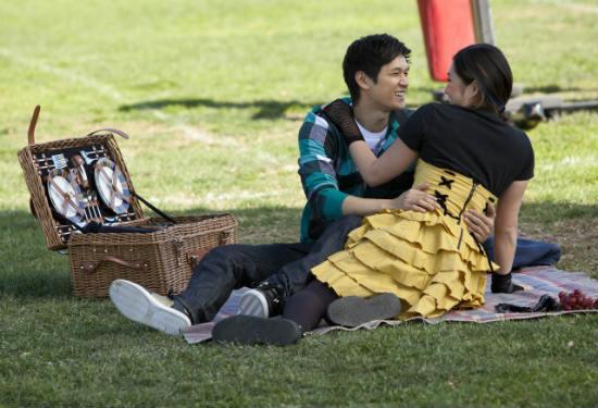 File:Glee-yes-no-mike-tina.jpg