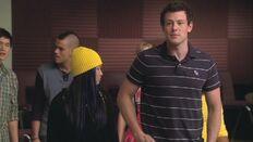 Glee-1x05-The-Rhodes-Not-Taken-finn-hudson-