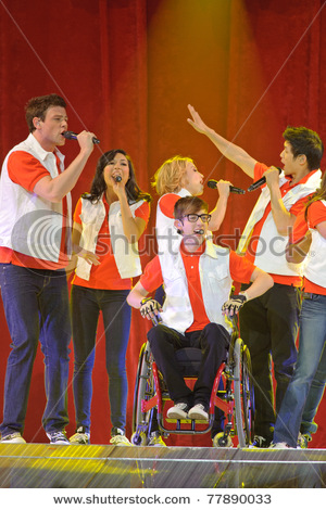 File:Stock-photo-sacramento-ca-may-cory-monteith-naya-rivera-dianna-agron-kevin-mchale-and-harry-shum-jr-77890033.jpg
