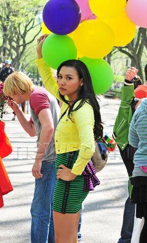 File:Naya with balloons - glee in nyc.jpg