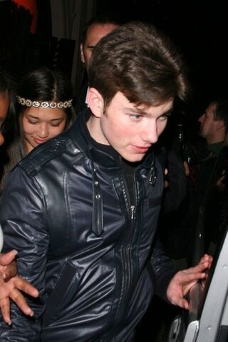 Datei:Glee-cast-glee-15346111-467-700.jpg