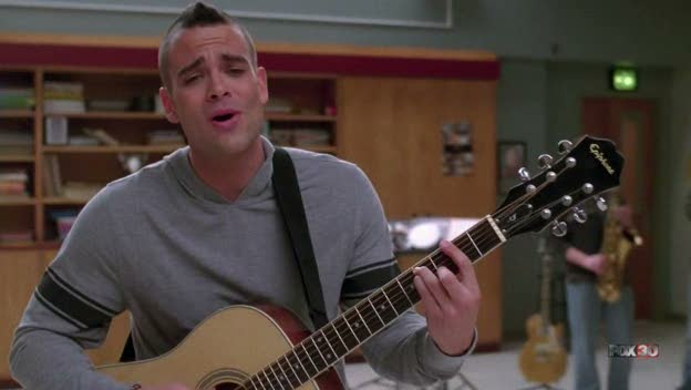 File:Glee - Sweet Caroline.jpg