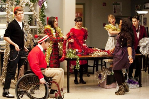 File:Glee-extraordinary-merry-christmas-480x31923.png