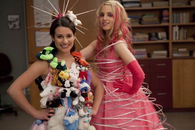 File:Rachel and Quinn 2.jpg