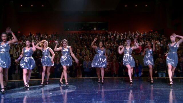 File:Glee Cast - Survivor I Will Survive (Glee Cast Version)-7.jpg